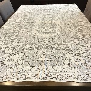 """Beautiful ivory vintage lace tablecloth 65 x 53"""""""